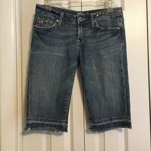 ☘️Miss Me Bermuda Jean Shorts - 28☘️